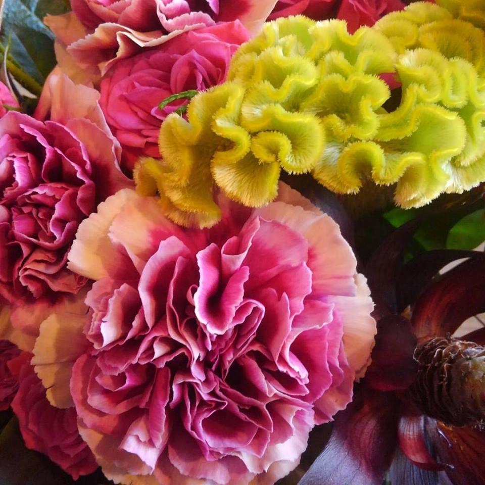 BARのオープン祝いアレンジメント 4646農園は富山市粟島のフラワーショップお花屋さんです